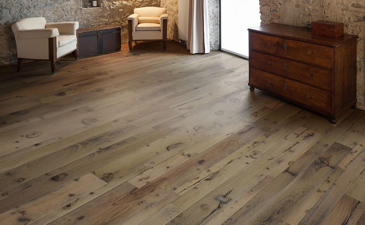 Mixed Width Oak Flooring